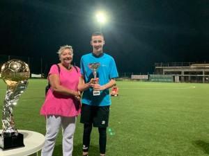 Flavia Sarnari premia Vallesacco