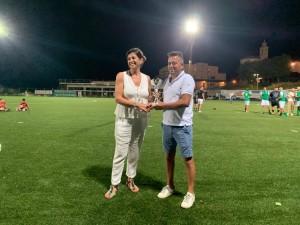 La consigliera comunale premia il presidente del Borgo terzo classificato